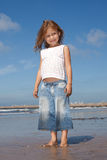 Mooi meisje op het strand Stock Afbeelding