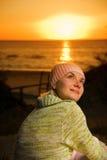 Mooi meisje op het strand royalty-vrije stock foto