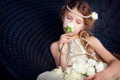 Mooi meisje in prinseskleding Royalty-vrije Stock Foto's