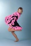 Mooi meisje in roze rok royalty-vrije stock foto
