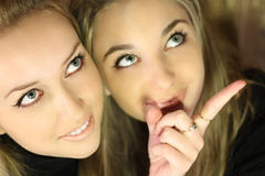 Mooi meisje twee Royalty-vrije Stock Afbeeldingen