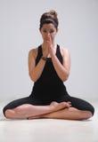 Mooi meisje in yogatijd Stock Afbeelding