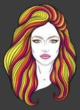 Mooi meisjesgezicht met lang haar en neutrale uitdrukking Hand getrokken die vrouwenportret in lijnen wordt gestileerd decoratief Stock Afbeelding