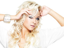 Mooi model met lang blond haar Stock Fotografie