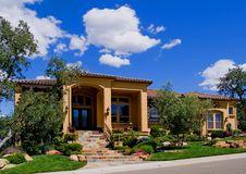 Mooi nieuw huis Stock Fotografie