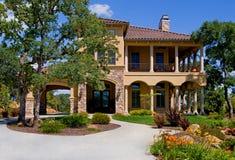 Mooi nieuw huis Stock Foto's