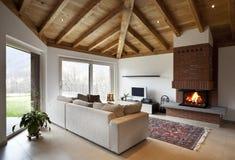 Mooi nieuw huis, modern binnenland Stock Afbeelding