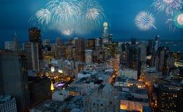 Mooi Nieuwjaarvuurwerk in San Francisco royalty-vrije stock foto's