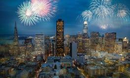 Mooi Nieuwjaarvuurwerk in San Francisco stock fotografie