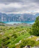 Mooi Noors fjordpanorama door de kust van Lysefjord, Noorwegen Stock Afbeelding