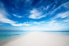 Mooi onaangeroerd strand Stock Afbeelding