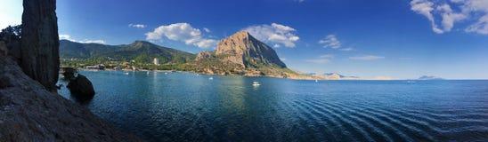 Mooi overzees zeegezichtpanorama Samenstelling van aard in de Krim royalty-vrije stock foto