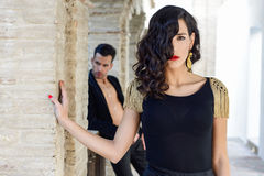 Mooi paar, modellen die van manier, Spaanse kleren dragen Royalty-vrije Stock Foto's