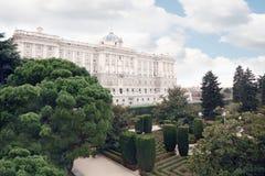 Mooi paleis van Spaanse koningen en tuinen van Sabatini Stock Foto
