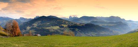 Mooi Panorama op de Dolomietbergen van Villandro Alt-Adige, Bolzano, Italië Royalty-vrije Stock Fotografie