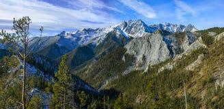 Mooi panorama van bergen Stock Foto's