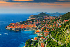 Mooi panorama van de ommuurde stad, Dubrovnik, Dalmatië, Kroatië Royalty-vrije Stock Fotografie