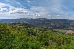 Mooi panorama van het landschap dichtbij de stad van Todi, royalty-vrije stock afbeelding
