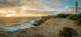 Mooi panorama van Kaap Nelson Lighthouse bij zonsondergang stock foto's