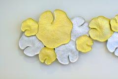 Mooi Patroon het gouden lotusbloemblad van inheems Thais stijldecor royalty-vrije stock afbeelding