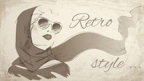 Mooi retro vrouwenportret die hoofddoek dragen Royalty-vrije Stock Foto's