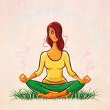 Mooi roodharig meisje die yoga doen en op het gazon mediteren vector illustratie