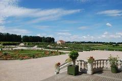 Mooi siertuin en tuinman`s huis i Royalty-vrije Stock Foto's