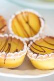 Mooi snoepje weinig citroen cupcakes Stock Foto's