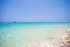 Mooi strand en tropische overzees in Mai Ton-eiland, Phuket Royalty-vrije Stock Foto's