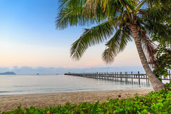 Mooi strand op tropisch eiland Royalty-vrije Stock Foto's