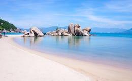 Mooi strand in zuidelijk Vietnam Stock Fotografie