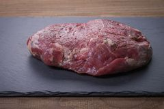Mooi stuk van rundvlees stock afbeeldingen