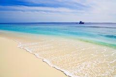 Mooi tropisch strand als achtergrond royalty-vrije stock afbeeldingen