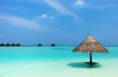 Mooi tropisch strand in de Maldiven Royalty-vrije Stock Foto