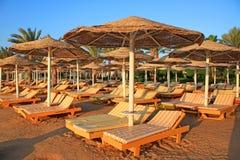 Mooi tropisch strand vroege ochtend Stock Afbeelding