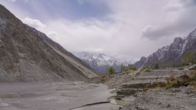 Mooi turkoois Attabad-Meer in hunza noordelijk van Pakistan royalty-vrije stock afbeelding