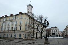 Mooi Vierkant in de Oude Stad Straat in de stad van Lviv de Oekra?ne 03 15 19 royalty-vrije stock afbeelding