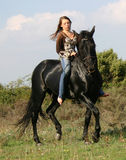 Mooi vrouw en paard Stock Afbeeldingen