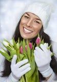 Mooi vrouwelijk holdingsboeket Stock Foto