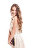 Mooi vrouwelijk model met het lange natuurlijke haar glimlachen Stock Afbeelding
