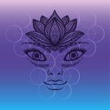Mooi vrouwengezicht, Hand getrokken portret van mooi meisjesgezicht met de kroon van de lotusbloembloem als hoofddeksel Elegante  stock illustratie