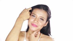 Mooi vrouwengezicht met schone huid stock videobeelden