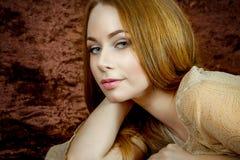 Mooi vrouwenportret stock afbeeldingen