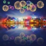 Mooi vuurwerk in Hong Kong en Financieel district Stock Afbeelding