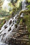 Mooi watervallandschap in Mussoorie India Stock Foto's