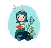Mooi weinig meermin met een zeesterzitting op een steen royalty-vrije illustratie
