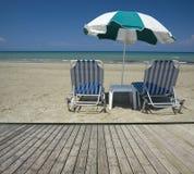 Mooi zandig strand Stock Afbeeldingen