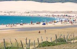 Mooi zandig strand in Tarifa zuidelijk Spanje Royalty-vrije Stock Foto