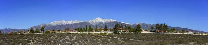 Mooi zet Baldy-mening van Rancho Cucamonga op royalty-vrije stock foto's