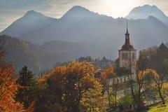 Mooi zonsonderganglandschap van Gruyère zwitserland Stock Foto's